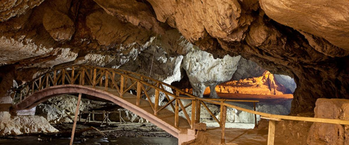 Boli barlang